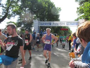 The elite runners finish